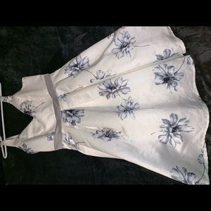 Beautiful off white dress w/write and grey flowers